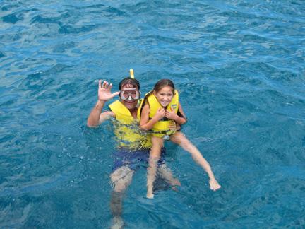 Shoulder-Season-Sandy-DiMinno-Family-Swimming